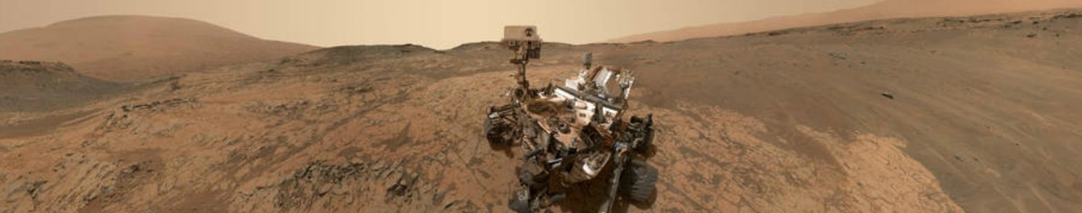 Photograph of the Curiosity rover on Mars